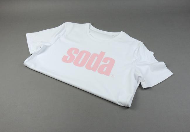 soda. T-Shirt White/Pink
